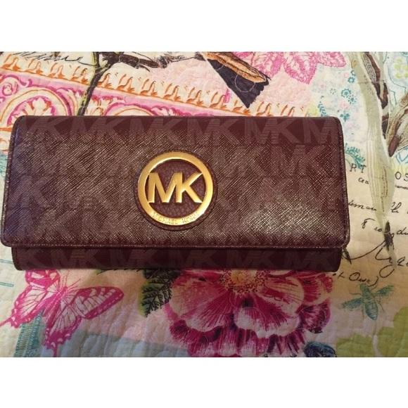 c52b4b72c7a4 Michael Kors Bags   Nwt Fulton Pvc Continental Wallet   Poshmark